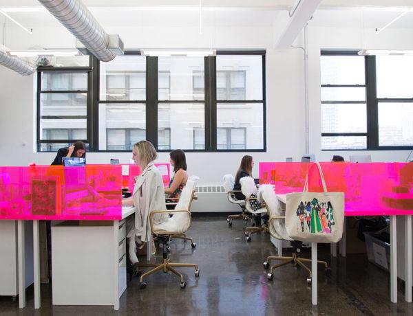 Glam meets function: décor simples e criativo em escritório de NY
