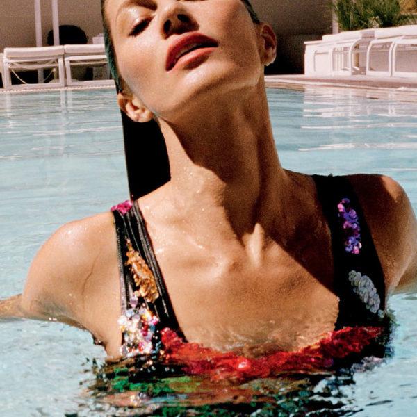Gisele, esplêndida, na Vogue Brasil de novembro