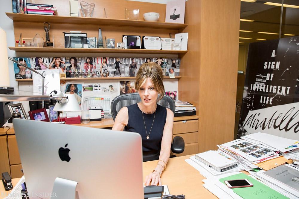 Um tour pelo escritório da Elle USA • Living Gazette