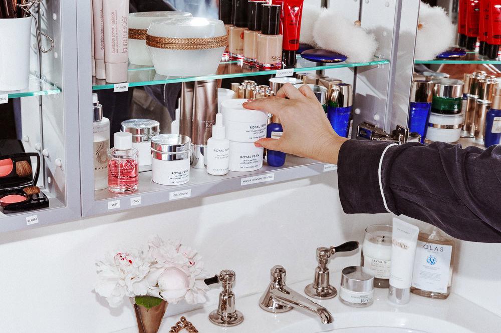 Cassandra Grey top shelf