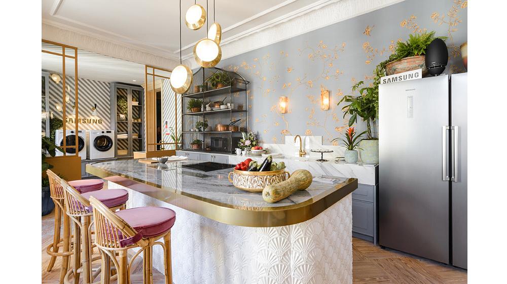 Atmosfera romântica e chic em cozinha e lavanderia