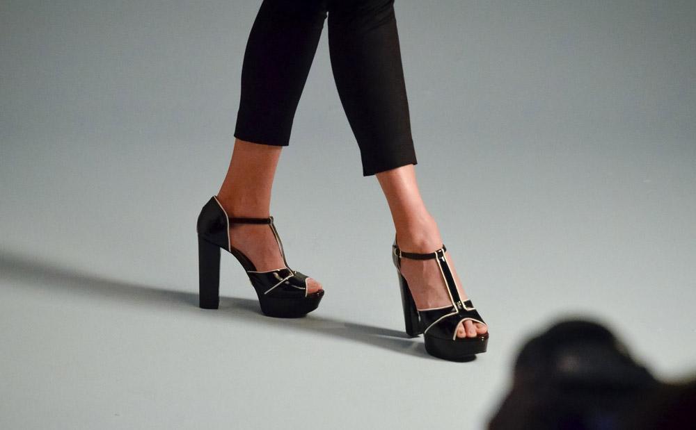 Radar  o novo perfume de Carolina Herrera, coleção sapatos Ana ... 9bb4e85f93